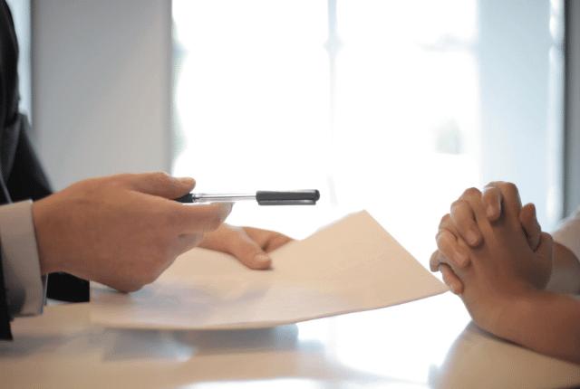 יד של איש דף עט יד של אשה