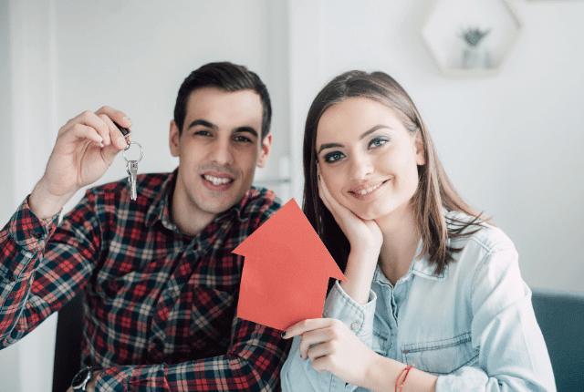 זוג קונה בית